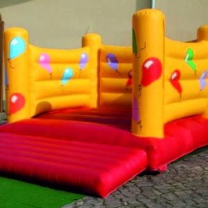 attraktionen-huepfburg-ballon