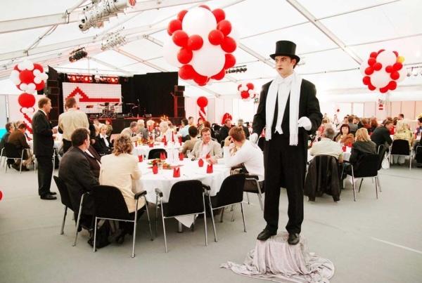 eventtalent event jubilaeum firmenfeier pantomine unterhaltung ballons