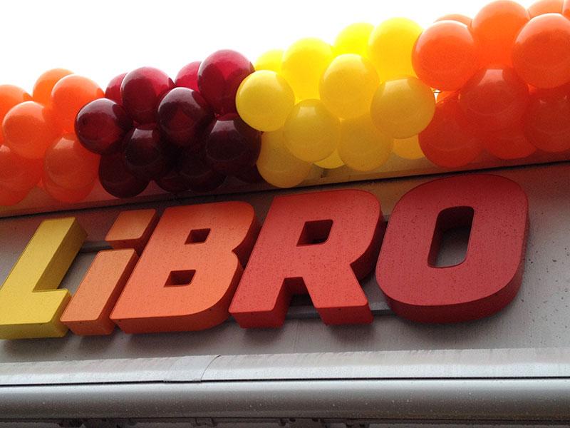 eventtalent ballongirlande ballondekoration ballons bunt eroeffnung