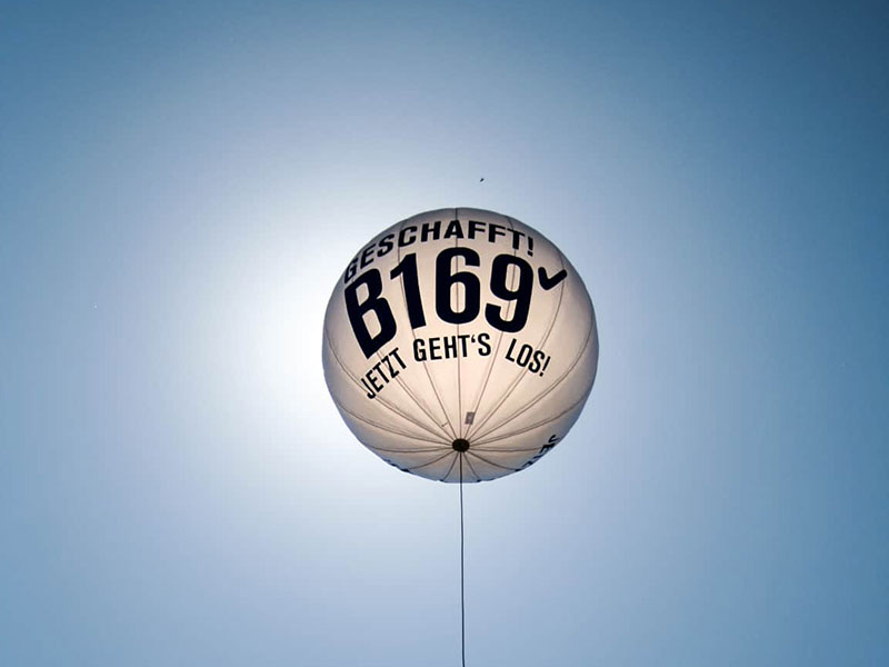 eventtalent flugwerbung leuchtballon werbebotschaft