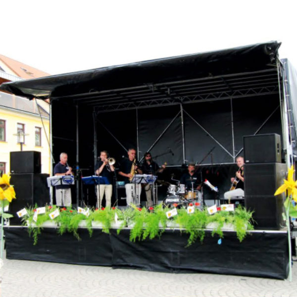 Mobile Bühne mieten von Event Talent